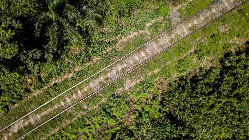 Le Transgabonais, exploité par la Sterag au Gabon. © Eramet
